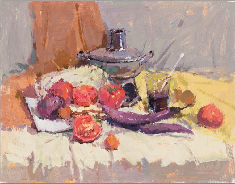 """色彩静物画的静物主要有水果、蔬菜、花卉、器皿、衬布等几大类。因此,考生在考试前就应对这些静物的形状、色彩、质感等有一个全面的了解和认识,并通过临摹、写生、默写等一系列训练,做到默记于心。  一、领会试题   色彩静物画是由静物的形体、色彩、明暗、材质、空间等元素在技巧运用下的综合体现。因此,色彩静物默写就是在这些元素上做""""文章""""。所以,在拿到试卷后,不要急于动笔,要仔细审题,看清楚要求,先打打腹稿,在头脑中勾画出几张画面,再加以比较,有意识地取舍,最终留下自己设想的满意画面。  二"""
